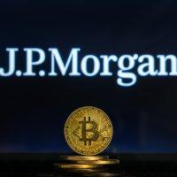 Глава JPMorgan назвал биткоин бесполезным