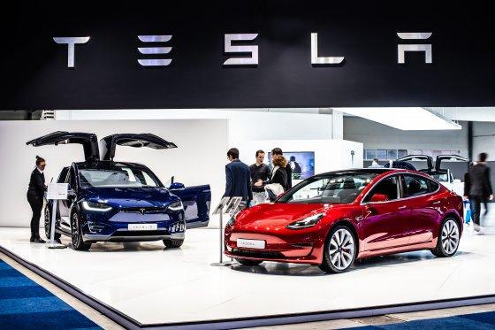 Tesla Model 3 and model X at Brussels Motor Show