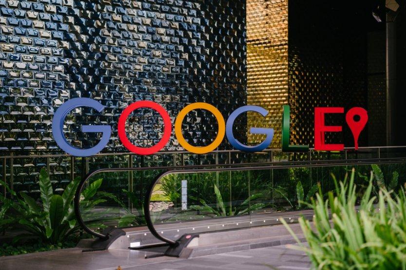 Google share price history