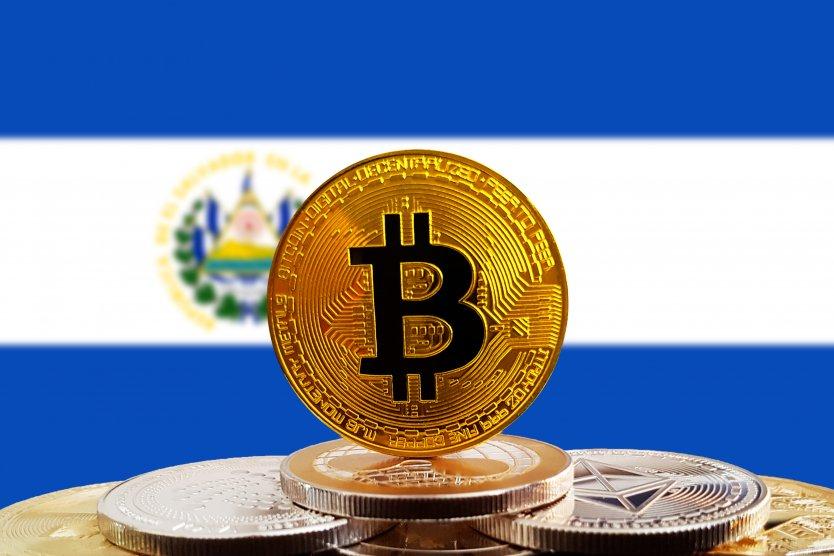 Сальвадор первым в мире легализовал биткоин как платежное средство