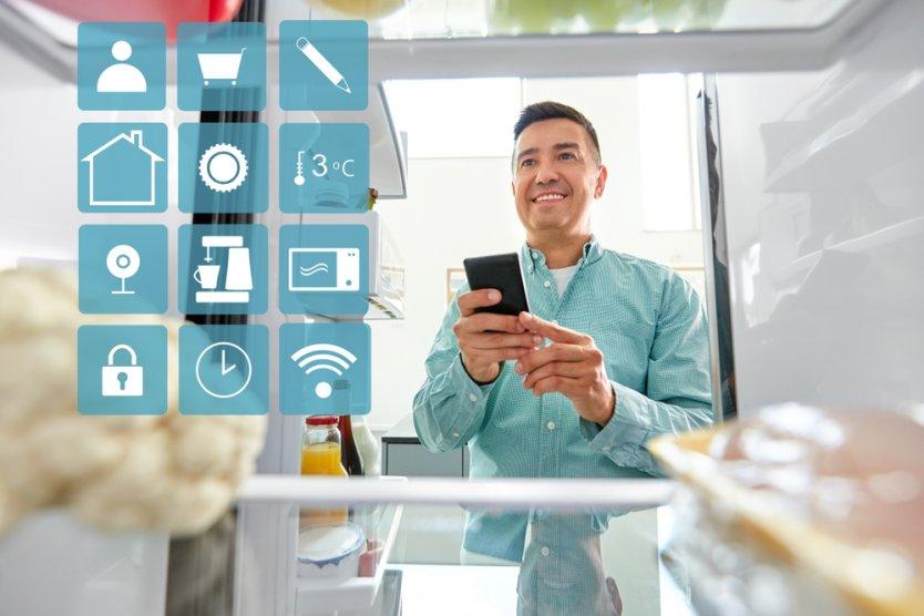 Amazon работает над «умным» холодильником с нейросетью
