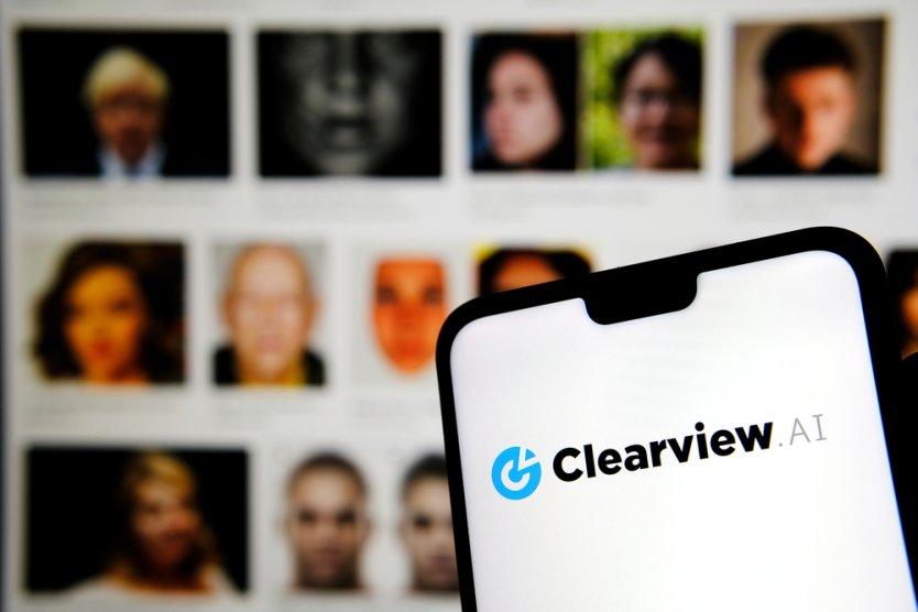Запрещенный в Канаде стартап для распознавания лиц Clearview получил от инвесторов $30 млн